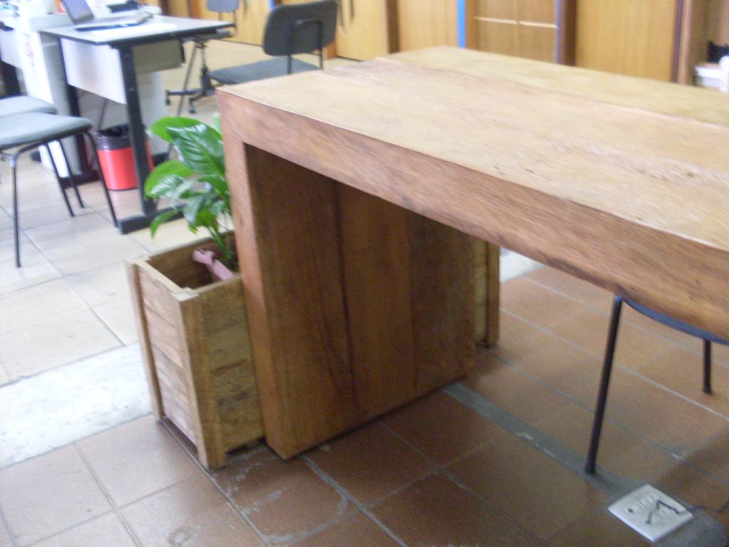 aparador em madeira de demolicao Madeira de Demolição #956F36 1024x768