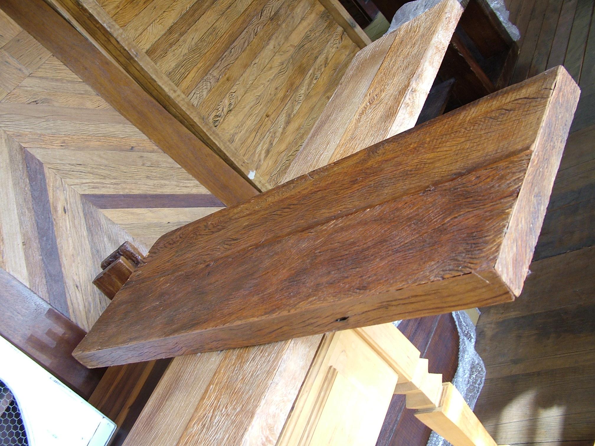 Tampo de madeira – Estes dois tampos foram preparados em madeira de  #896442 2016x1512 Balcão Banheiro Madeira Demolição
