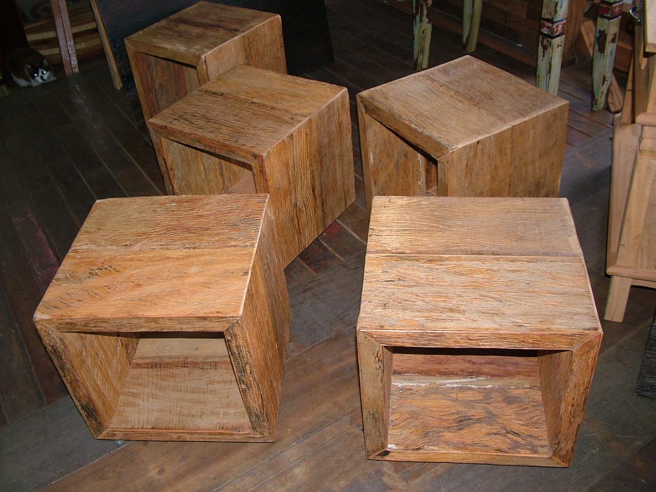 rústicos móveis em madeira de demolição cubos em madeira de  #986033 1280x960