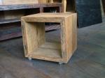 moveis rusticos -cubo em madeira de demolicao