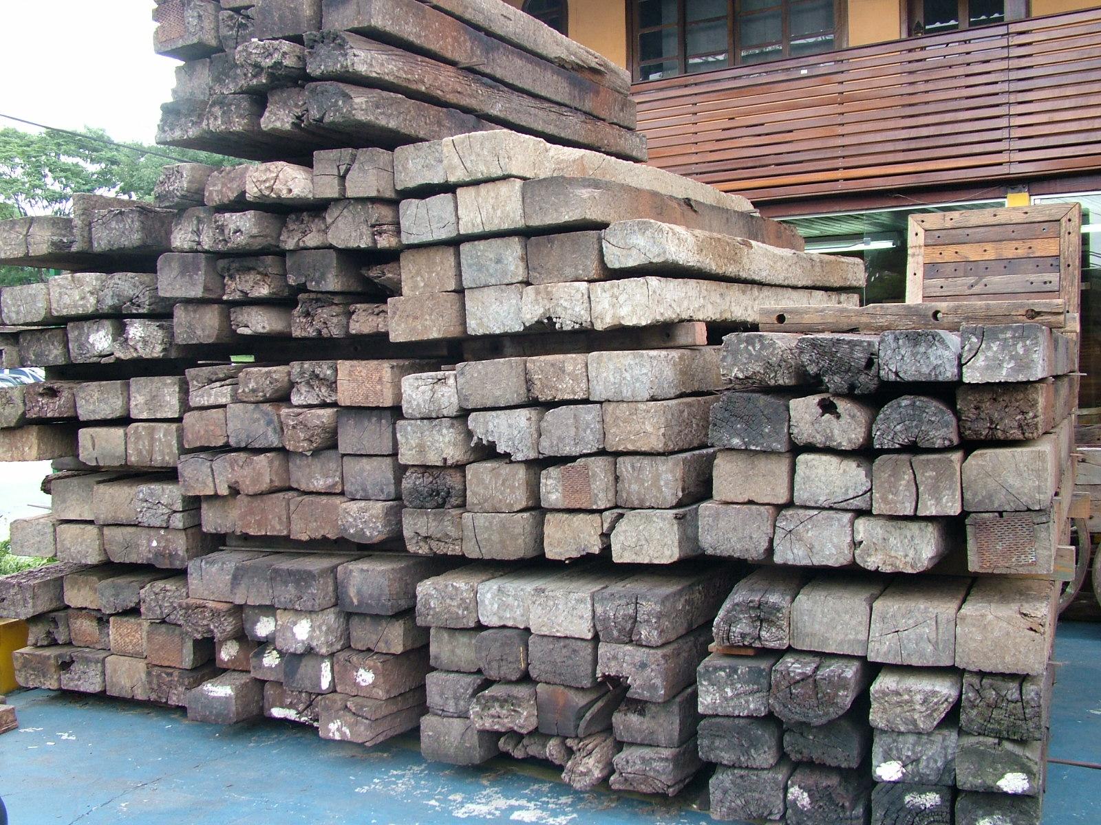 Dormentes usados – Dormentes de madeira de lei diversas. Madeira  #3A6F91 1600x1200