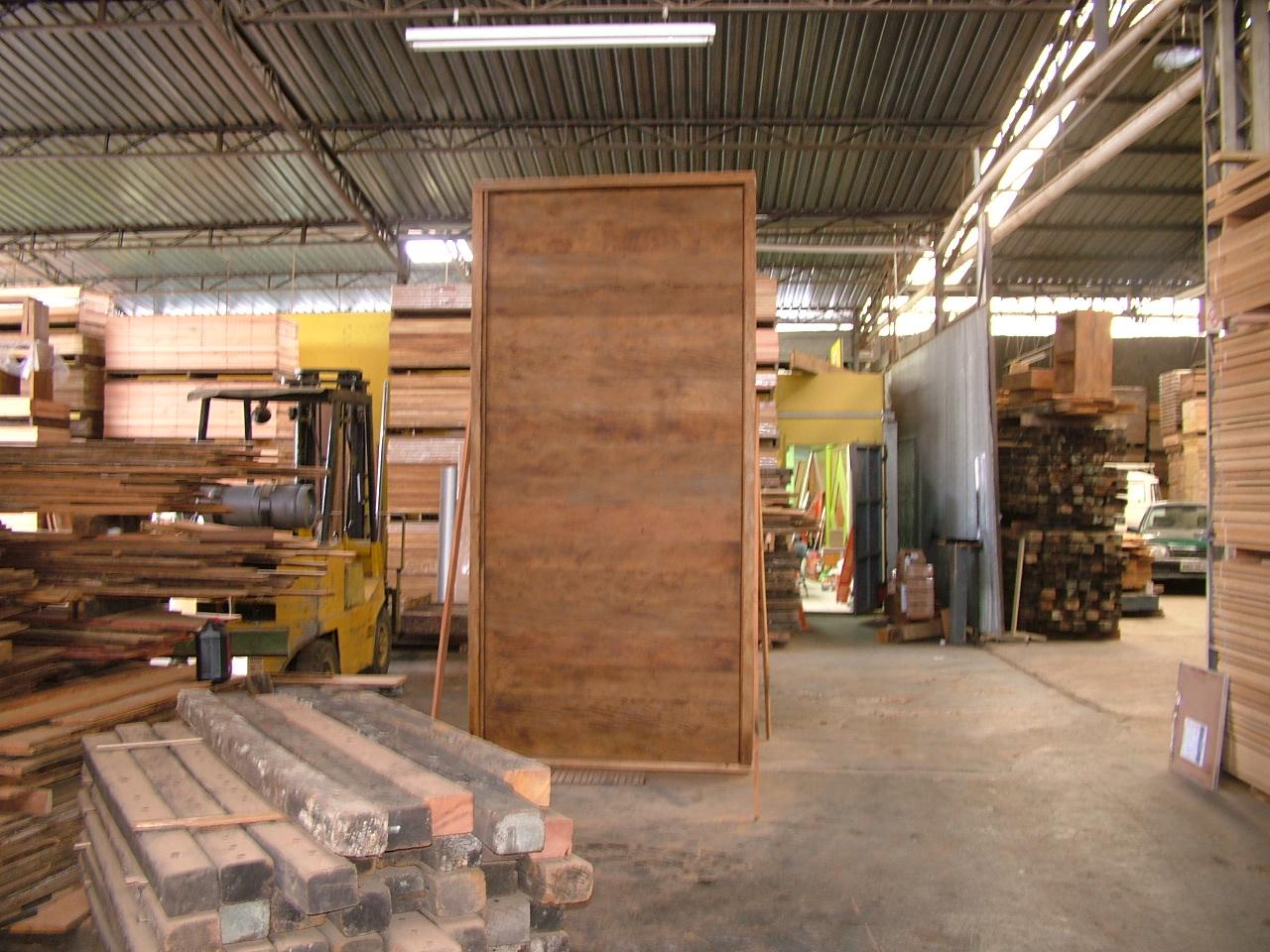 porta em madeira de demolicao Madeira de Demolição #AB8820 1280x960